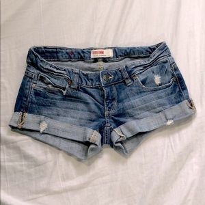 excellent condition denim short shorts low waist